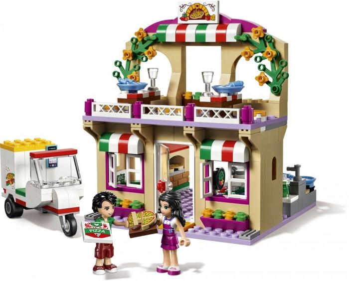 Конструктор Lego Friends ПиццерияFriends ПиццерияКонструктор Lego Friends Пиццерия состоит из деталей для создания пиццерии и для создания мопеда, у которого есть прицеп для перевозки пиццы.  Особенности: Набор состоит из 289 деталей, аксессуаров и 2 фигурок человечков, которые тоже надо собрать вместе. Детали конструктора легко скрепляются между собой. Для этого надо воспользоваться иллюстрированной инструкцией, чтобы процесс сборки конструктора был легким и увлекательным.  Созданные из ярких деталей объекты удивят ребенка своей точностью в деталях.  У пиццерии есть собственная вывеска и место, где можно попробовать пиццу и приготовить ее.  Также в наборе есть все нужные аксессуары, с помощью которых игрушечные лего-человечки будут изображать действия, как оплата наличными за доставку или приготовление вкусной еды.  Набор Lego Friends совместим с другими наборами этой же серии.  Подробная инструкция, входящая в комплект, позволит ребенку собирать конструктор, как в присутствии взрослого, так и самостоятельно.  Конструкторы Lego не только развлекут девочку, но и позволят ей усовершенствовать мелкую моторику, развить воображение и творческую фантазию.   Все детали конструктора изготовлены из безопасного и качественного материала, при производстве используется многоступенчатая система контроля качества.<br>