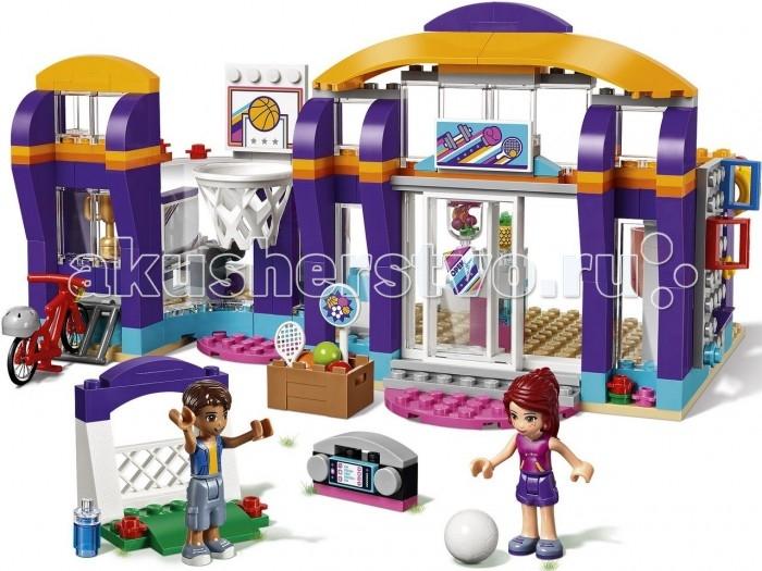Конструктор Lego Friends Спортивный центрFriends Спортивный центрКонструктор Lego Friends Спортивный центр  состоит из 328 ярких деталей, легко собираемых в многофункциональный спортивный центр для 2 минифигурок по имени Миа и Роберт.  Особенности: Элементы конструктора Lego Friends стыкуются таким образом, что формируют цельную платформу, на которой предстоит разместиться многочисленному спортивному инвентарю и различным аксессуарам. Sports Center предоставляет возможность заниматься сразу несколькими видами спорта, так как на его обширной территории с легкостью размещаются всевозможные установки и тренажеры. В частности, любителям прогулок на велосипеде предстоит увлекательное путешествие по тропинкам спорткомплекса на ярком средстве передвижения. Миа и Роберт смогут развлечься игрой в баскетбол, поскольку в их распоряжении мяч и корзина, а также достаточно площади для спортивной игры. Чтобы поддерживать физическую форму, пригодятся и турник с кольцами, а также боксерская груша и удобный мат. Для нагрузки полегче прекрасно подойдут гантели, а также инвентарь для игры в теннис, бадминтон или футбол. Набор Lego Friends совместим с другими наборами этой же серии.  Подробная инструкция, входящая в комплект, позволит ребенку собирать конструктор, как в присутствии взрослого, так и самостоятельно.  Конструкторы Lego не только развлекут девочку, но и позволят ей усовершенствовать мелкую моторику, развить воображение и творческую фантазию.   Все детали конструктора изготовлены из безопасного и качественного материала, при производстве используется многоступенчатая система контроля качества.<br>