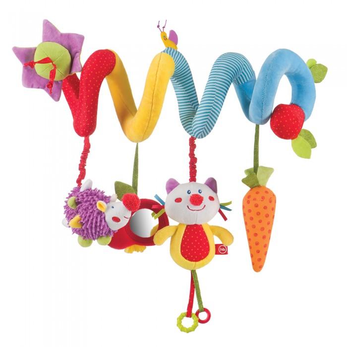 Happy Baby Игрушка-подвеска Pretty GardenИгрушка-подвеска Pretty GardenHappy Baby Игрушка-подвеска Pretty Garden - это отличная игрушка для малыша, которая не только позабавит, но и сыграет огромную роль в развитии тактильных ощущений и мелкой моторики рук. Мягкую и гибкую спиралевидную подвеску можно легко обмотать вокруг бортика кроватки, ручки автокресла или коляски.  На мягкой спирали закреплены забавные игрушки: растяжка-ёжик, зеркальце-яблочко, котик и пищалка-морковка. Каждая игрушка внесёт свой вклад в развитие малыша: растяжка поможет с развитием мелкой моторики рук, безопасное зеркальце познакомит со своим отражением, а котик и пищалка-морковка привлекут зрительное и слуховое внимание. Таким образом, активная подвеска является замечательным тренажёром для развития всех видов восприятия ребёнка.  Особенности: удобное крепление яркий внешний вид использованы мягкие безопасные материалы наличие движущихся, шуршащих и пищащих элементов Рекомендации по уходу: не стирать в воде, не отбеливать, не отжимать, не производить химчистку. Обрабатывать поверхность небольшим количеством теплого мыльного раствора.<br>