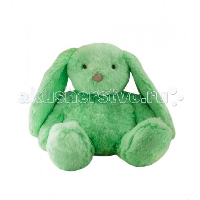 Мягкая игрушка AromaToys Мятный КроликМятный КроликМягкая игрушка Aroma Toys Мятный Кролик подарит Вам свои теплые объятья всего через минуту! Приятного цвета, мягкий и нежный на ощупь, он может помочь Вам расслабиться и сладко уснуть!   Внутри игрушки находится съемный вкладыш, выполненный из 100% хлопка, который нагревается в микроволновой печи и содержит специально обработанные зерна пшеницы, обогащенные натуральным эфирным маслом мяты с добавлением травы\цветков мяты. Свежий аромат мяты выделяется при нагревании, а зерна пшеницы в течение длительного времени сохраняют тепло. Аромат мяты снимает напряжение, негативные переживания и тревогу. Энергетически — это запах обновления и восстановления жизненных сил. И еще один несомненный плюс и уникальность нашей игрушки в том, что даже без вкладыша она не потеряет своей формы и сохранит привлекательный внешний вид! Съемная подушечка легко вынимается , при этом игрушка не теряет своей формы и сохраняет привлекательный внешний вид!  Размер игрушки сидя - 25 см, ширина около 23 см, общий вес 340-360 гр. Материал верха — высококачественный гипоаллергенный негорючий плюш (100% полиэстер), наполнение — синтепон, зерна пшеницы и листья и стебли мяты.<br>