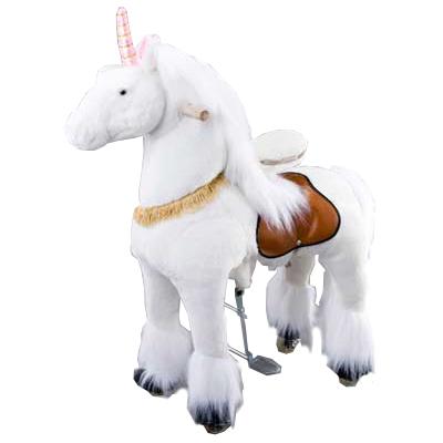 Каталка Ponycycle Единорог малый 3042Единорог малый 3042Каталка Ponycycle Единорог малая озвученная - это детская механическая лошадка, уникальная игрушка для верховой езды, которая позволяет малышу ощутить себя настоящим наездником.   Чтобы привести лошадку в действие Вам не понадобятся батарейки или аккумуляторы, движение происходит механически. Для этого ребенку нужно сесть в седло, лицом вперед, держась руками за деревянные ручки на голове поницикла, надавить на педали-стремена и немного привстать, седло поднимется вверх, затем наездник сгибает колени и седло опускается вниз. Полная имитация верховой езды.  Чем активнее ребенок будет садиться, и привставать в седле, тем резвее будет скакать его лошадка. Ваш малыш получит ни с чем несравнимое ощущение настоящей верховой езды. При этом лошадка не перегружает опорно-двигательный аппарат ребенка, это можно сказать – первый тренажер при игре с которым у ребенка развиваются основные группы мышц. Езда на лошадке положительно влияет на осанку, что немаловажно для дошкольников и школьников младших классов.  Конструкция и материалы: Каркас игрушки изготовлен из высокопрочной стали, рычажно-шарнирный механизм сбалансирован и устойчив, корпус выполнен из пенопласта Ножки игрушки оснащены полиуретановыми колесами, диаметром 80 мм, едут плавно и бесшумно В механизме колес имеется противооткатная защита Экстерьер повторяет внешний вид животного Меховая одежка выполнена из мягкого, гипоаллергенного материала Срок службы 1 год  Важная информация: Всадник обязательно должен сидеть в седле, а не на корпусе поницикла Одновременно кататься на поницикле может только один всадник Поницикл двигается только вперед. Не пытайтесь двигать его назад, так можно повредить колеса Никогда не просовывайте руки между сиденьем седла и корпусом поницикла Хранить поницикл нужно в вертикальном положении, в сухом, проветриваемом помещении От 2-х до 5-и лет  Обслуживание: При необходимости шкурка легко чистится, с помощью моющих средств, в этом плане у