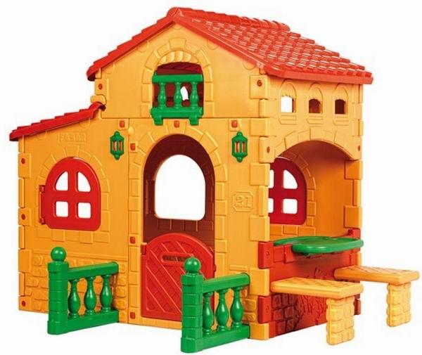 Feber Игровой домик ВиллаИгровой домик ВиллаДомик-вилла для детей – это мечта каждого малыша. В тёплое время года ребёнок с большим удовольствием будет здесь играть со своими друзьями. Большой дом – вилла – это отличное место для маленькой компании.  Характеристики игрового дома виллы от производителя Feber: дом выполнен в яркой цветовой гамме, стильный и современный дизайн впишется в интерьер загородного дома игровой дом имеет небольшую дверь, открывающиеся и закрывающиеся окна, забор, веранду маленький столик 2 лавочки высокий потолок дверь имеет прорезь для писем детский дом изготовлен из прочного пластика  Здесь малыши будут с удовольствием отдыхать и играть в сюжетно-ролевые игры. Простая сборка. Яркие цвета устойчивы к солнечным лучам и температурным изменениям.<br>