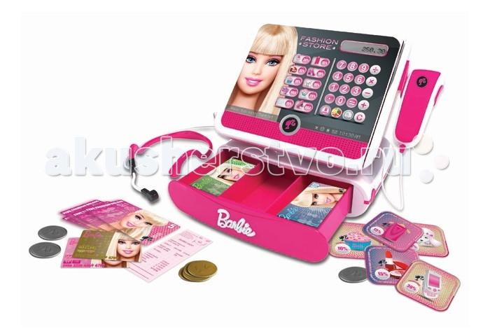 Barbie Касса Модный магазин с аксессуарамиКасса Модный магазин с аксессуарамиBarbie Касса Модный магазин с аксессуарами она голосом приветствует покупателя при включении и прощается при выключении (доступны русский и английский языки).   Работает как настоящий калькулятор, снабжена головной гарнитурой с настоящим микрофоном, с помощью которого можно делать громкие объявления, и сканером штрихкодов (а вот он уже не настоящий, но очень правдоподобный). К кассе прилагаются игрушечные деньги, банковские карты и карточки со скидками на товары - всего 52 аксессуара. Ну и оформлено это все в стиле Барби! Девочки любят играть в магазин. Девочки любят куклу Барби. Почему бы не совместить приятное с приятным?  Внимание! Дизайн упаковки может отличаться от представленного на изображении.  Особенности: Возраст: от 5 лет Комплект: касса, 10 монет, 30 банкнот, 2 кредитных карты, 5 дисконтных карт. Наличие батареек: входят в комплект. Тип батареек: 2 x AA / LR6 1.5V (пальчиковые).<br>