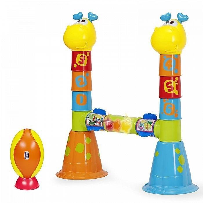 Chicco Игровой набор 3 в 1 РегбиИгровой набор 3 в 1 РегбиChicco Игровой набор 3 в 1 Регби - это три игры в одной, которые предлагают множество развлечений для маленьких регбистов. Ваш маленький регби игрок может ударом ноги перебрасывать мяч над перекладиной, каждый успешный удар вознаграждается огоньками и мелодией. Табло с ручным управление поможет контролировать количество набранных очков, чтобы определить победителя в конце. Также ваш малыш может строить башню из пронумерованных частей, или устраивать бег с препятствиями различными маршрутами.  Особенности: Первая электронная игра посвященная регби 3 режима игры; матч, полоса препятствий и строительство Благодаря датчику движения, огоньки и звуки активируются, когда вы заработали очко Табло для отслеживания результатов Развивает моторные навыки детей.<br>