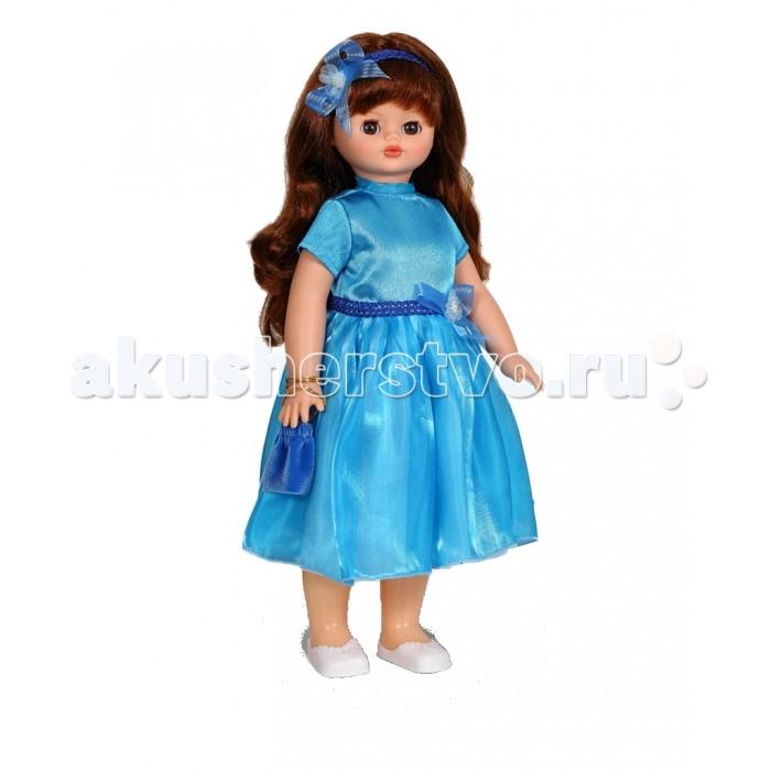 Весна Кукла Алиса 11 озвученная новогодняя 55 смКукла Алиса 11 озвученная новогодняя 55 смВесна Кукла Алиса 11 озвученная новогодняя 55 см одета в красивый наряд. Она обаятельна и прелестна, поэтому вызывает только самые добрые и положительные эмоции.  У элегантной куклы Алисы большие карие глаза и роскошные каштановые волосы. Одета Алиса в нарядное голубое платье с бантом из шелка и органзы и прелестные белые туфельки. Комплект дополнен сумочкой и ободком для волос в тон наряду.  У куклы густые мягкие волосы, которые можно мыть, расчесывать и заплетать как только захочется. Они прочно закреплены и способны выдержать практически любые творческие порывы ребенка.  Весна Кукла Алиса 11 озвученная новогодняя оснащена механизмом движения, её можно водить за руку. Также она умеет разговаривать. При нажатии на звуковое устройство, вставленное в спинку, кукла произносит следующие фразы:  -Теперь ты моя подруга. -Ты не забыла - сегодня мы идем на праздник. -Нам нужно быть красивыми -Сделай мне прическу -Получилось очень красиво -Теперь себе -Не забудь про маникюр -А нарядное платье -Мы сегодня самые красивые!  Очаровательная кукла Весна покорит сердце любой девочки!   Весна Кукла Алиса 11 озвученная новогодняя упакована в красивую новогоднюю коробку.<br>
