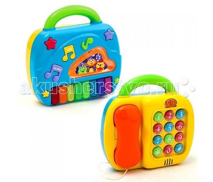 Музыкальная игрушка Playgo Телефон и пианиноТелефон и пианиноРазвивающий центр Телефон и пианино - двусторонняя игрушка, оснащенная удобной ручкой для переноски.  Особенности: В одной игрушке представлены разные предметы, дающие представление об их функциях и назначении.  Первая сторона представляет собой телефон со световым и звуковым эффектами, имитирующей устройство настоящего телефона: все активные клавиши-цифры, гудки, набор номера.  Вторая сторона - пианино с разноцветными клавишами, нажимая на которые можно услышать звуки настоящего пианино.  Есть также демонстрационная клавиша для просмотра возможностей и инструментальная клавиша.  Для работы требуются 3 батарейки АА. Игра с центром в игровой форме знакомит малыша с телефоном и пианино, принципами его работы, развивает цвето- и звуковосприятие, координацию движений, мелкую моторику пальцев. Пианино, кроме того, развивает музыкальный вкус и слух.  Центр упакован в красивую подарочную коробку.  Игрушка выполнена из высококачественной пластмассы, безопасной для ребенка.<br>
