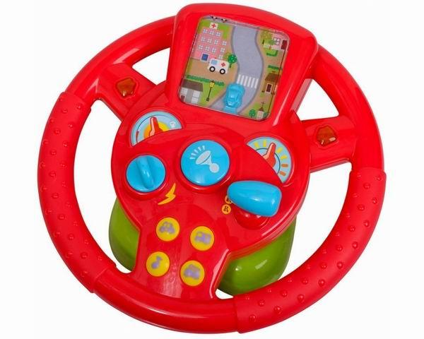 Playgo РульРульРуль Playgo 2456 для юного автолюбителя, на руле есть кнопки, активирующие различные звуковые эффекты.  Особенности: Эта замечательная игрушка позволит ребенку почувствовать себя настоящим водителем.  У нее множество кнопочек, при нажатии на которые слышатся разные звуки.  Здесь есть и музыка, и гудки, и разные слова. Кроме того, есть световые элементы, например, мигающие стрелки.  Для маленьких детей – это лучшие игрушки, они могут часами изучать различные кнопочки и картинки, слушая звуки и наблюдая за световыми эффектами.  Такие игрушки развивают у ребенка мелкую моторику, слух, внимательность, координацию движений, помогают узнать разные слова и звуки.<br>