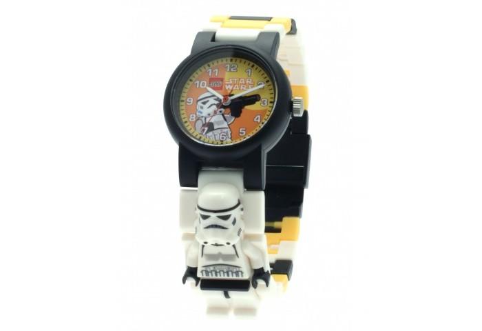Конструктор Lego Наручные часы Star Wars Stormtrooper с минифигуройНаручные часы Star Wars Stormtrooper с минифигуройLego Наручные часы Star Wars Stormtrooper с минифигурой - это необычные часы которые тебе обязательно понравятся. Они выполнены в черном-белом цвете с желтыми вставками и украшены принтом с изображением любимого персонажа. С такими часами ты почувствуешь себя крутым героем, спасающим мир. Удобный разборный браслет, изготовленный из гипоаллергенных материалов, будет отлично сидеть на руке. А входящая в комплект фигурка поможет разнообразить сценарии, которые ты придумаешь для игры с любым из конструкторов серии Lego Super Heroes.  Часы изготовлены из высококачественного пластика.<br>