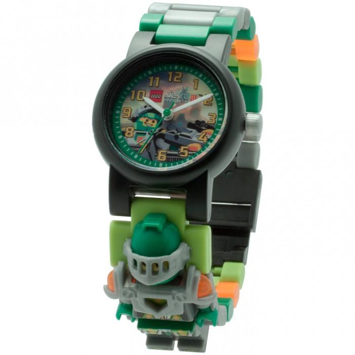 Конструктор Lego Наручные часы Nexo Knights Аарон с минифигуркойНаручные часы Nexo Knights Аарон с минифигуркойLego Наручные часы Nexo Knights Аарон с минифигуркой - это необычные часы которые тебе обязательно понравятся. Они выполнены в красивой цветовой гамме и украшены принтом с изображением любимого персонажа. С такими часами ты почувствуешь себя крутым героем, спасающим мир. Удобный разборный браслет, изготовленный из гипоаллергенных материалов, будет отлично сидеть на руке. А входящая в комплект фигурка поможет разнообразить сценарии, которые ты придумаешь для игры с любым из конструкторов серии Lego Super Heroes.  Часы символ пунктуального и уверенного в себе человека. Для юного сорванца такой подарок предел мечтаний, особенно если его украшает любимый герой.  Часы изготовлены из высококачественного пластика.<br>