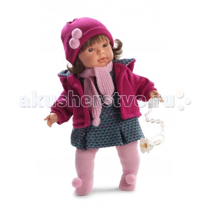 Llorens Кукла Карла 42 смКукла Карла 42 смLlorens Кукла Карла 42 см. Кукла из ПВХ с мягконабивным туловищем из синтетического волокна. Без механизмов и звуковых эффектов. Кукла одета в серое платье, розовую кофточку, шарфик, шапочку, колготки. Глазки у куклы не закрываются. Волосы прошиты по всей голове.   К кукле прилагается соска. Упакована в подарочную упаковку.<br>
