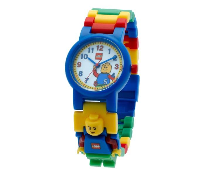 Конструктор Lego Наручные часы Classic с минфигуркойLego<br>Lego Наручные часы Classic с минфигуркой - это необычные часы которые тебе обязательно понравятся. Они выполнены в красивой цветовой гамме и украшены принтом с изображением любимого персонажа. С такими часами ты почувствуешь себя крутым героем, спасающим мир. Удобный разборный браслет, изготовленный из гипоаллергенных материалов, будет отлично сидеть на руке. А входящая в комплект фигурка поможет разнообразить сценарии, которые ты придумаешь для игры с любым из конструкторов серии Lego.   Часы символ пунктуального и уверенного в себе человека. Для юного сорванца такой подарок предел мечтаний, особенно если его украшает любимый герой.  Часы изготовлены из высококачественного пластика.