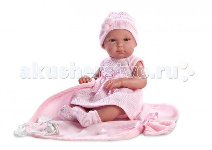 Llorens Кукла Бимба 35 см с одеяломКукла Бимба 35 см с одеяломLlorens Кукла Бимба 35 см с одеялом - играть с малышкой будет не только интересно, но и увлекательно, ведь у кукол можно разглядеть не только мимику лица, но и реалистичные складочки на ручках и ножках, которые анатомически точно передают внешние особенности настоящих малышей.  Кукла одета в яркий и стильный наряд!  При изготовлении кукол Llorens используются только сертифицированные материалы, безопасные и не вызывающие аллергических реакций. Тело куклы является мягконабивным, ее ножки и ручки можно двигать, а голову поворачивать в разные стороны.<br>