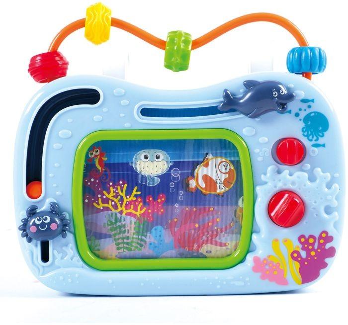 Развивающая игрушка Playgo Телевизор-аквариумТелевизор-аквариумРазвивающая игрушка Playgo Телевизор-аквариум поможет родителям улучшить звуковое и визуальное восприятие малыша, а также повеселит его.  Игрушка выполнена в виде телевизора, корпус которого оформлен в морской тематике. На нем расположено два ползунка с крабом и дельфином. В верхней части игрушки в качестве антенны расположен лабиринт с разноцветными бусинами.   Игрушка выполнена из сертифицированного и высококачественного пластика, поэтому абсолютно безопасна для детей.<br>