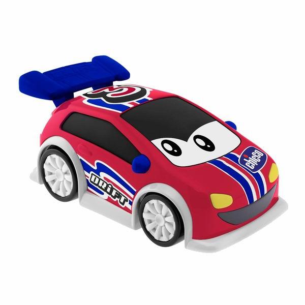 Chicco Машинка р/у Danny DriftМашинка р/у Danny DriftDanny Drift - это совершенно новая и яркая, симпатичная машинка с дистанционным управлением.   Новое устройство управления похоже на настоящее рулевое колесо, оно очень удобное в использовании - просто поворачивайте его влево или вправо, и машинка изменит направление скольжения, прямо как настоящий спортивный автомобиль.   После нажатия центральной кнопки Drift (Боковое отклонение) машинка начнет скользить и выделывать зрелищные движения, еще более забавные благодаря звуковому сопровождению.  Батарейки 4x AA 1,5 V<br>