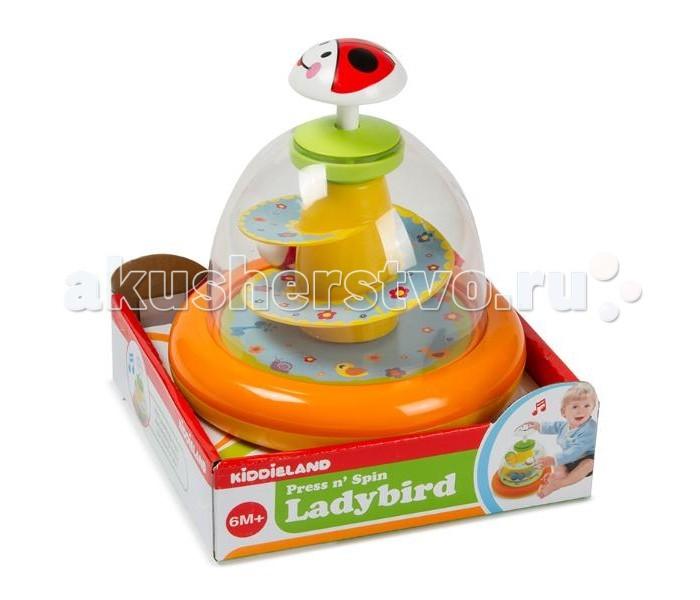 Развивающая игрушка Kiddieland юла Божья коровкаюла Божья коровкаРазвивающая игрушка Kiddieland юла Божья коровка это яркая музыкальная и знакомая каждому с детства юла, развлечет малыша приятной музыкой и забавными звуками. При нажатии на юлу шарики начинают задорно кружится и летать   Работает от 2-х батареек стандарта АА 1,5V (входят в комплект).<br>