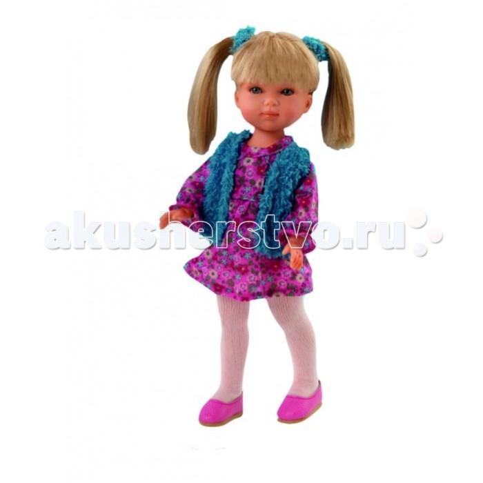Vestida de Azul Карлотта блондинка с хвостиками Весна КантриКарлотта блондинка с хвостиками Весна КантриVestida de Azul Карлотта блондинка с хвостиками Весна Кантри - это добрая и приветливая кукла которая наверняка понравится вам и вашему ребенку с первого взгляда.  Особенности: Красавица блондинка Карлотта в стильном наряде: легкое платье с цветочным принтом, жилетка голубого цвета, белые колготки и розовые балетки. Романтичный весенний образ куклы в стиле кантри поможет сформировать вкус ребенка с самых ранних лет Милое личико куколки никого не оставит равнодушным: пухлые щечки с румянцем, вздернутый носик и выразительные глазки с длинными ресницами, наклеенными вручную, которые выглядят как настоящие Длинные волосы куклы густо прошиты и напоминают натуральные. Челка Карлотты прошита отдельно, а значит всегда будет красиво уложенной. Девочка сможет попробовать себя в роли парикмахера и создавать разнообразные прически, развивая креативность Кукла изготовлена из плотного гипоаллергенного винила высокого качества, и самостоятельно стоит Подвижные руки, ноги и голова для незабываемой реалистичной игры В наборе: кукла Карлотта комплект одежды<br>