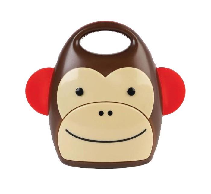 Skip-Hop Ночник детский ОбезьянаНочник детский ОбезьянаSkip-Hop Ночник детский Обезьяна выполнен в виде яркой игрушки, благодаря чему отлично впишется в интерьер детской комнаты. Благодаря большой кнопке на корпусе ребёнок сможет включить свет самостоятельно, и не стоит переживать, что он сможет обжечься – светодиоды не нагревают корпус изделия. А спустя 30 минут, когда ваша кроха спокойно уснёт свет, медленно тускнея, выключится.  Особенности: для детей от 3-х лет  удобная ручка для переноски автоматическое отключение через 30 минут не нагревается работает от 3 батареек ААА (не входят в комплект) размеры – 10 х 10 х 13 см.<br>