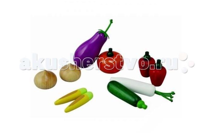 Деревянная игрушка Plan Toys Набор овощейНабор овощейНабор деревянных овощей для сюжетно-ролевых игр включает: баклажан, тыкву, кабачок, белый редис, 2 красных болгарских перца, 2 луковицы и 2 початка кукурузы.   Для более творческой и веселой игры вместе с этим набором овощей можно использовать крупномасштабные наборы посуды, прилавков/супермаркетов, кухни.   Дети с удовольствием будут играть роли владельцев магазинов и посетителей, выбирающих продукты для ужина. А считая и группируя овощи, они также начнут постигать основы математики. Родителям набор овощей поможет воодушевить детей есть такие полезные и часто нелюбимые детьми овощи.  Все игрушки выполнены из каучукового дерева с использованием нетоксичных красок и специально изготавливаются с закругленными краями, чтобы избежать вероятности травмирования.  Размеры игрушек: 5.0 x 5.0 x 9.5 см (баклажан). Размеры упаковки: 18.8 x 5.7 x 12.5 см. Для детей от 3 лет.<br>