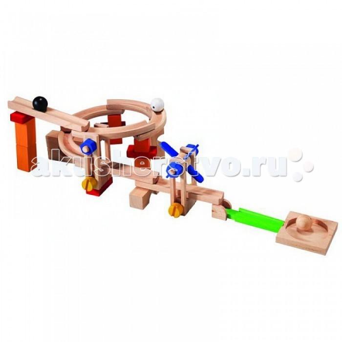 Деревянная игрушка Plan Toys Игра Строй и катайИгра Строй и катайЭта элегантная горка с ветряной мельницей собирается из 40 деревянных деталей, окрашенных и неокрашенных.  Ребёнок может наблюдать, как шарики, преодолевая препятствия, достигают своей цели.  В комплекте: 3 шарика, 40 деталей.  Материал: каучуковое дерево.<br>