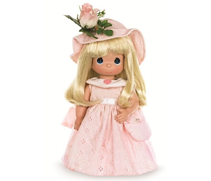Precious Кукла Цветок дружбы 30 смКукла Цветок дружбы 30 смКоллекционна кукла Precious Moments Цветок дружбы очарует вас и вашу дочурку с первого взглда!   Кукла одета в розовое платье и розовые туфли. Романтичный образ дополнет розова шлпка, украшенна белой розой. У девочки длинные светлые волосы и большие синие глаза.    Особенности:  Вс одежда съемна.   Кукла изготавливаетс из качественного, безопасного материала и имеет пть базовых точек артикулции.   Кукла имеет свой неповторимый образ и характер.   Волосы прошитые, из качественного синтетического волокна или крученых ниток, в зависимости от образа. Рост куклы 30 см.<br>