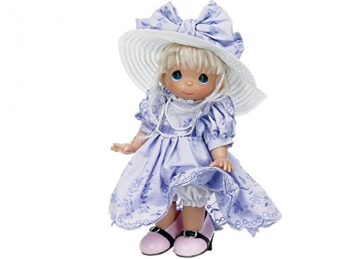 Precious Кукла В туфлях мамы 30 смКукла В туфлях мамы 30 смКоллекционная кукла Precious Moments В туфлях мамы очарует вас и вашу дочурку с первого взгляда!   Кукла одета в очаровательное белое платье, украшенное розовыми розочками. У куклы шикарные светлые волосы, которые забраны вверх. На милом личике большие синие глаза.    Особенности:  Вся одежда съемная.   Кукла изготавливается из качественного, безопасного материала и имеет пять базовых точек артикуляции.   Кукла имеет свой неповторимый образ и характер.   Волосы прошитые, из качественного синтетического волокна или крученых ниток, в зависимости от образа. Рост куклы 30 см.<br>