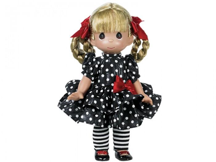 Precious Кукла Мода навсегда 30 смКукла Мода навсегда 30 смКоллекционная кукла Precious Moments Мода навсегда очарует вас и вашу дочурку с первого взгляда!   Кукла одета в черное платье в горошек, полосатые лосины и черные туфельки. У куклы светлые волосы, заплетенные в две косички с красными атласными бантиками. У девочки большие зеленые глаза.    Особенности:  Вся одежда съемная.   Кукла изготавливается из качественного, безопасного материала и имеет пять базовых точек артикуляции.   Кукла имеет свой неповторимый образ и характер.   Волосы прошитые, из качественного синтетического волокна или крученых ниток, в зависимости от образа. Рост куклы 30 см.<br>