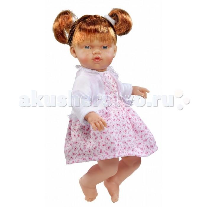 ASI Кукла Ната 25 см 443790Кукла Ната 25 см 443790ASI Кукла Ната 25 см 443790 с симпатичным личиком и очаровательным нарядом!  Голова, руки и ноги у этой куклы выполнены из винила, а тело из ткани с наполнителем. У Наты пухленькие пальчики на руках и ногах, маленькие выразительные черты лица, живые глазки и розовые губки, приоткрытые в улыбке, придают ей особое очарование! У куколки Наты рыжие короткие волосы, собранные в два озорных хвостика, что придает ей задорный вид! Одета в платье с цветочным принтом и белую кофточку.  Все куклы ASI создаются с использованием ручного труда. В каждую куколку мастер вкладывает свою душу! Ваш ребенок сразу почувствует тепло и доброту, которая исходит из этой маленькой игрушки.  Особенности:  Куклы ASI сделаны очень качественно Без запаха   Используется безопасный твердый винил Видна прорисовка мельчайших подробностей тела, рук и ног<br>