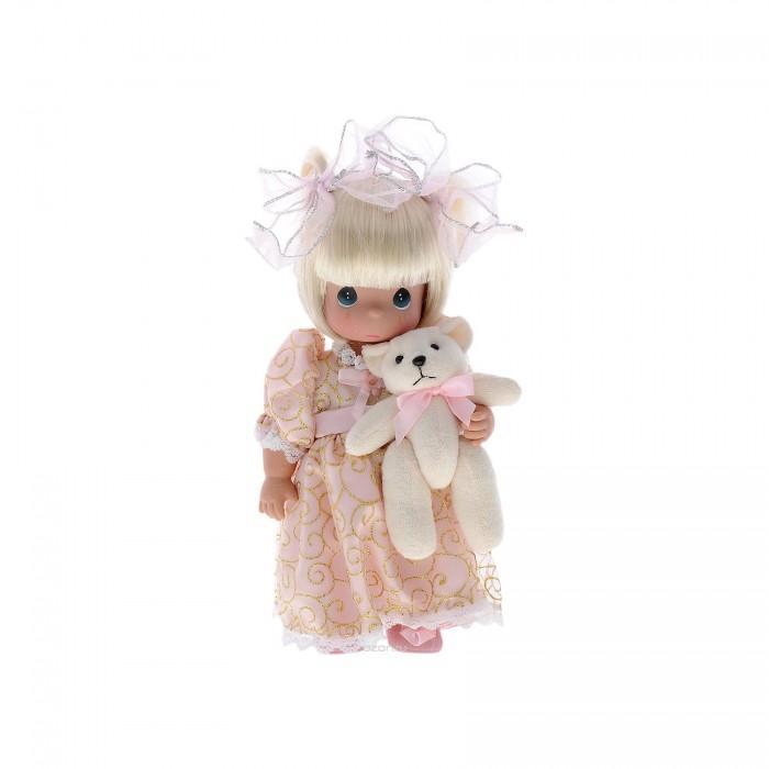 Precious Кукла Давай поиграем 30 смКукла Давай поиграем 30 смКоллекционная кукла Precious Moments Давай поиграем очарует вас и вашу дочурку с первого взгляда!   Кукла со светлыми волосами одета в светло-розовое платье с золотистой вышивкой и украшенного большим бантом. Волосы завязаны в две косички с помощью бантов с серебристой прострочкой по периферии. У куклы милое личико с большими изумрудными глазами. В комплекте с куклой идет ее игрушка - плюшевый мишка.   Особенности:  Вся одежда съемная.   Кукла изготавливается из качественного, безопасного материала и имеет пять базовых точек артикуляции.   Кукла имеет свой неповторимый образ и характер.   Волосы прошитые, из качественного синтетического волокна или крученых ниток, в зависимости от образа. Рост куклы 30 см.<br>