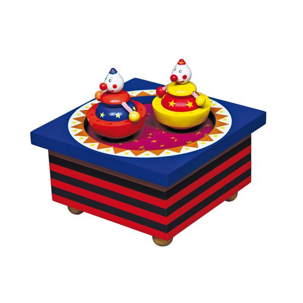 Trousselier Музыкальная шкатулка Wooden Box ЦиркМузыкальная шкатулка Wooden Box ЦиркСтильная и изящная музыкальная шкатулка Wooden Box Цирк с механическим заводом для хранения игрушечных украшений и прочих мелочей.  При заводе шкатулки, клоуны начинают танцевать под музыку (SERENADE - F.P. SCHUBERT)!    Малыш будет в восхищении. Музыкальный механизм заводится с помощью маленького ключика.  Размер: 11,5 х 11,5 х 7 см  Поставляется в подарочной коробке Trousselier.   Французский бренд Trousselier вот уже более 40 лет создает уникальные коллекции детских игрушек, товаров для дома и интерьера. Вся продукция изготовлена из натуральных материалов с соблюдением высоких европейских стандартов качества.<br>