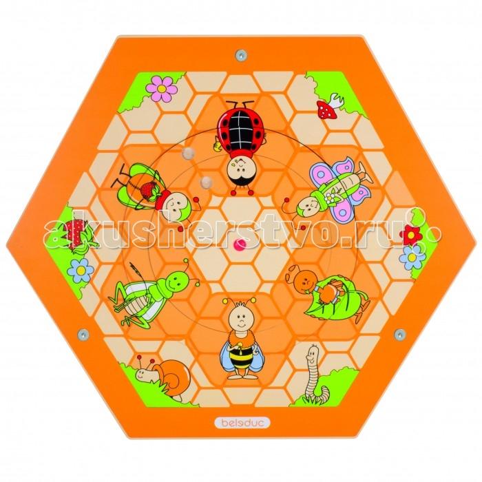 Деревянная игрушка Beleduc Настенный игровой элемент Пчелы. На полянеНастенный игровой элемент Пчелы. На полянеBeleduc Настенный игровой элемент Пчелы. На поляне станет чудесным развлечением для Вашего любознательного малыша или малышки. Настенный игровой элемент изготовлен в виде основы-шестиугольника с изображением полянки с пчелками.   Изготовлен игровой элемент из экологически чистого материала - дерева, покрытого натуральным лаком. Поверхность элемента гладкая, приятная на ощупь. С помощью надежных креплений элемент можно установить на стене.  Размеры игры: 57,7 х 50 см<br>