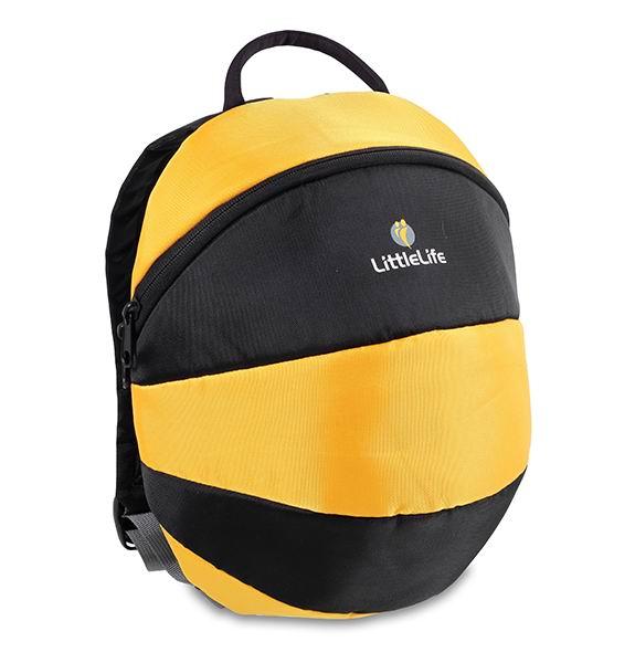 LittleLife Рюкзак Большая пчелкаРюкзак Большая пчелкаРюкзак LittleLife отличается большим размером и вместительностью. Стильный дизайн рюкзака в виде животных обязательно понравится Вашим детям и станет лучшим выбором для прогулок и путешествий.   Мягкие регулируемые плечевые ремни оснащены дополнительным ремешком, который фиксируется на груди, предотвращая соскальзывание рюкзака. Бейджик для имени и адреса внутри рюкзака поможет найти владельца при утере рюкзака.   Особенности: Предназначен для детей в возрасте от 3 до 5 лет Материалы: полиэстер/нейлон Основное отделение на молнии Регулируемые по длине плечевые ремни Нагрудный ремень с фиксатором Бейджик для имени и адреса  Размеры: 17 х 25 х 32 см Емкость: 6 л<br>