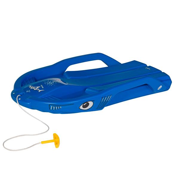 Санки Rolly Toys Snow Shark 200702Snow Shark 200702Санки Rolly Toys Snow Shark - предназначены для детей в возрасте от 3-х лет и старше. Это легкая спортивная модель отлично подойдет для активного зимнего отдыха! Такие санки станут отличным подарком для вашего ребенка и сделают ваши зимние прогулки еще более веселее и разнообразнее.  Особенности: Санки выполнены из прочного морозоустойчивого пластика Оснащены буксировочным шнуром Удобные ручки безопасности выполняют роль тормозов Изделие выдерживает нагрузку до 100 кг<br>