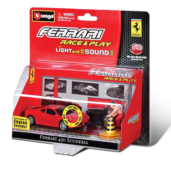 Bburago Машина Ferrari со светом и звуком с аксессуарами