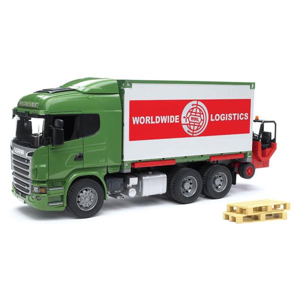 Bruder Фургон Scania с погрузчиком и паллетамиФургон Scania с погрузчиком и паллетамиФургон Bruder Scania с погрузчиком и паллетами изготовлен в масштабе 1 к 16, поэтому и другие машинки, автомобили и спец. техника Брудер могут использоваться совместно с этим набором для организации увлекательных игровых процессов.    Особенности:    Погрузчик вполне функционален. С его помощью паллеты с размещенным на них грузом с легкостью размещаются в объемном кузове.   При необходимости эта техника отсоединяется - и фургон можно использовать автономно.   В автомобиле открываются двери кабины, складываются внешние зеркала заднего вида.   Корпус фургона отсоединяется от шасси и устанавливается отдельно на специальные опоры.<br>