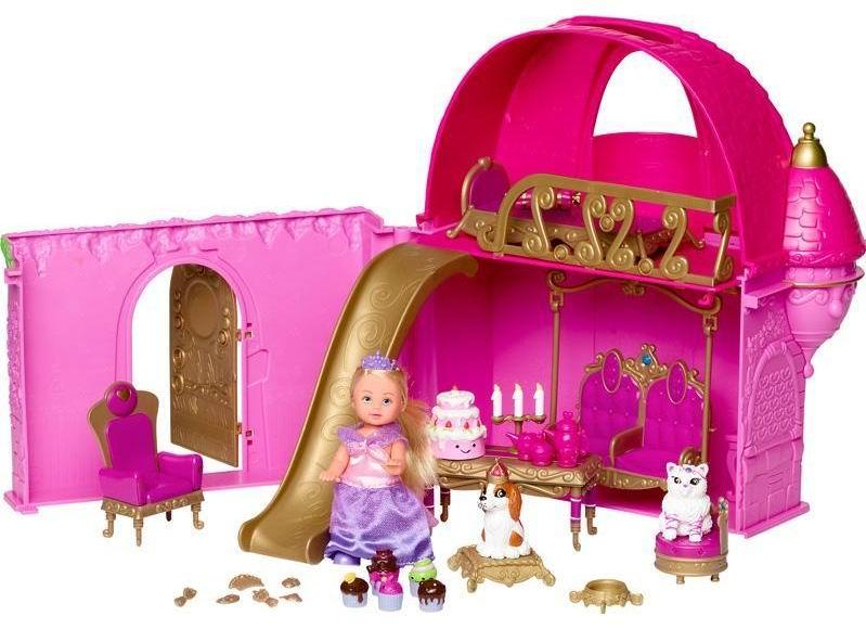 Simba Кукла Ева Замок мечтыКукла Ева Замок мечтыМаленькая принцесса Еви в своем двухэтажном раскладывающемся замке. Дверь замка открывается, на первом этаже замка есть кресло, столик с зеркальцем, а также качели, где Еви любит отдыхать со своими друзьями, кошечкой и собачкой (есть в комплекте) также есть столик, канделябр со свечками, чайник, чашечка, молочник и угощения для чаепития (тортик, пирожные).   На втором этаже есть кроватка, где маленькая принцесса может поспать или отдохнуть. Со второго этажа можно спуститься по золотой горке (есть в комплекте).  Комплектация: замок, трон, куколка Еви, кроватка, горка, собачка, кошечка и аксессуары (свечи в канделябре, подушечка для собачки, стульчик для кошечки, тортик, пирожные и др. всего более 20)  Набор выполнен из высококачественной пластмассы.  Высота куколки Еви 12 см<br>
