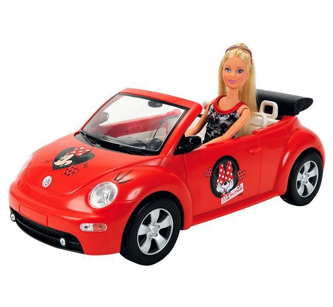 Simba Кукла Штеффи Minnie Mouse на автоКукла Штеффи Minnie Mouse на автоКукла Штеффи обожает мультфильмы от компании Дисней про Микки Мауса и его подружку Минни Маус, поэтому она приобрела себе автомобиль, оформленный в стиле Minnie Mouse. Ярко-красный четырехместный кабриолет, украшенный изображениями очаровательной Минни Маус отвезет куклу Steffi и ее подруг в любую точку земли.   Кукла Штеффи любит загорать и она решила поехать на своей шикарной машине в путешествие к морю. Штеффи оделась в модный пляжный наряд, сделала конский хвост из своих золотистых длинных волос и, конечно, не забыла про очки, которые защитят ее от солнечных лучей во время поездки.   У куклы гнутся руки и ноги, а голова поворачивается, благодаря чему ей будет легко управлять своей машиной.   Штеффи мечтает скорее заехать на своем великолепном авто за любимыми подружками и в сопровождении своей маленькой хозяйки отправиться навстречу приключениям!  Высота куклы Штеффи – 29 см, длина авто - 40 см<br>