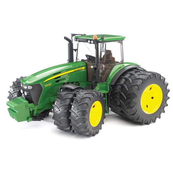 Машины Bruder Трактор John Deere 7930 с двойными колёсами машины tomy john deere трактор monster treads с большими колесами и вибрацией