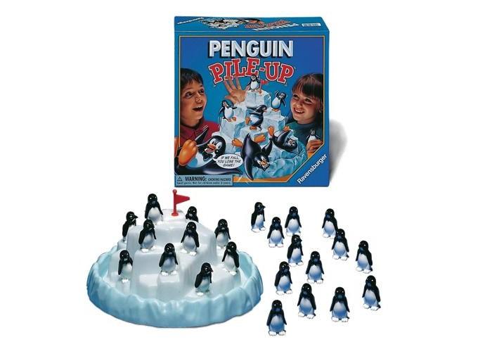 Ravensburger Настольная игра Пингвины на льдинеНастольная игра Пингвины на льдинеЧтобы провести веселый вечер в кругу семьи и друзей, вам пригодится настольная игра Ravensburger «Пингвины на льдине» (Pingu). Ее обаятельные герои - неуклюжие пингвины - подарят вам отличное настроение, а также помогут развить ловкость и терпение.  Места на айсберге хватит всем! Только вот пингвины, прыгающие на него из холодного океана, так вовсе не считают. Они стараются как можно быстрее забраться на свободные ледяные уступы. Удержаться там не так-то просто, поэтому черно-белые паникеры снова и снова плюхаются в воду!  Задача игроков – устойчиво разместить на айсберге всех своих пингвинов. Тот, кто сделает это первым, становится победителем. Игра развивает ловкость, координацию, чувство равновесия, аккуратность, учит контролировать движения рук. Перед началом игры соберите фигурки пингвинов (каждая состоит из трех частей) и установите айсберг таким образом, чтобы все игроки могли легко до него дотянуться. В верхний уступ воткните флажок. Пингвинов нужно поровну распределить между игроками, а лишние фигурки вернуть в коробку.  Начинает самый младший игрок, а затем ход передается по часовой стрелке. Первый игрок ставит своего пингвина на один из уступов. Главное, чтобы фигурка не упала – ведь тогда хозяин забирает ее обратно, и число пингвинов у него не сокращается!   Следующие игроки также ставят по одному пингвину на свободные уступы. Если их пингвин не удержался на айсберге, он возвращается к хозяину. Если же во время хода упало сразу несколько пингвинов, они идут к ходящему игроку все вместе. Так как цель будущего победителя – первым избавить от всех своих пингвинов, таких неосторожных моментов лучше избегать! Кстати, для удобства айсберг можно даже поворачивать, но стараться при этом не уронить пингвинов.  В наборе: платформа для айсберга айсберг с флажком 24 пингвина инструкция на русском языке  Размеры айсберга 250х250х130 мм Высота пингвина 45 мм<br>