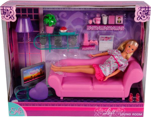 Simba Штеффи в гостиной + аксессуарыШтеффи в гостиной + аксессуарыКукольный домик Simba Штеффи в гостиной + аксессуары непременно понравится вашей дочке! Куколка отдыхает у себя дома перед телевизором на удобном диване. Гостиная выполнена в розовом цвете и обставлена всем необходимым для проживания Штеффи. Милая куколка с симпатичными блондинистыми волосами приятно порадует вашу девочку, став для нее настоящей подружкой!  В комплекте: Кукла Диван Телевизор Тумба Столик Ноутбук Аксессуары<br>
