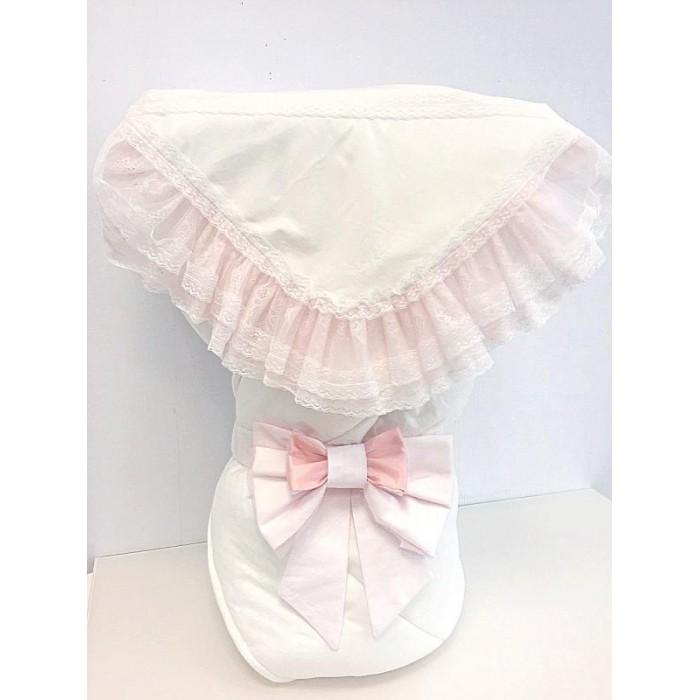 Fleole  Конверт-одеяло на выписку Любава (зима)Конверт-одеяло на выписку Любава (зима)Fleole Конверт-одеяло на выписку Любава В05.644 - очень милый, сказочно красивый и нарядный конверт на выписку.  В конверт входит:  1.одеяло (размер:90х90 см),внешняя сторона одеяла сатин с жаккардовым рисунком , подкладка-трикотаж состав:100% хлопок, наполнитель:холлофайбер 400; 2.Кружевная пеленка(90Х90 см) состав:100% хлопок 3.Бант на резинке.  Рекомендации по уходу: деликатная стирка 30°.<br>