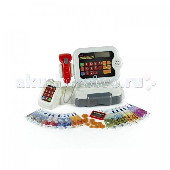 Klein Игровой набор Кассовый аппаратИгровой набор Кассовый аппаратKlein Игровой набор Кассовый аппарат – замечательная развивающая игрушка, предназначенная для детей от 3-х лет.   Особенности: С помощью нее малыши научатся самостоятельности, могут поиграть в продавца и покупателя и придумать множество различных сюжетов для игры. Кассовый аппарат от немецкого производителя Klein выглядит совсем как настоящий.  Он имеет дисплей, на котором есть калькулятор для того, чтобы рассчитать сумму покупок.  С помощью сканера шрих-кодов, нажав на специальную кнопку, малыш сможет пробить товар, при этом раздастся реалистичный звук.  Покупатели могут рассчитываться как наличным, так и безналичным расчетом. Для расчета по игрушечной кредитной карточке предназначен pos-терминал для ввода пароля. При этом также раздастся звуковой сигнал. Все как в настоящем супермаркете! Для работы необходимо отдельно приобрести две батарейки типа AA.  В комплекте: касса, банкноты, монеты, кредитная карточка, pos-терминал, ключик для открытия кассы, сканер шрих-кодов.<br>