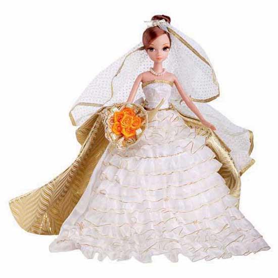 Sonya Rose Кукла Осенний бал (Золотая коллекция)Кукла Осенний бал (Золотая коллекция)Кукла Sonya Rose серия Золотая коллекция Осенний бал - серия удивительно красивых, утонченных девушек в шикарных вечерних нарядах, сшитых, словно для сказочного бала!  «Осенний бал» - это наряд куклы, состоящий из великолепное бело-золотистое платье со шлейфом, напоминающее нам о золотой осени. Волосы убраны в высокую прическу, на шее – нитка жемчуга, а в руках – букет желто-оранжевых роз.    Особенности:    Высота куклы 27 см  Голова и руки подвижные  Реснички куклы длинные и пушистые  У куклы длинные волосы, со стильной прической от лучших салонов  В наборе подставка для куклы.  Игрушка выполнена из высококачественной пластмассы и текстиля.  Продукция сертифицирована, экологически безопасна для ребенка, использованные красители не токсичны и гипоаллергенны.  Упаковка красочная подарочная золотым тиснением.<br>