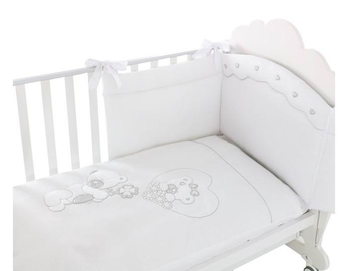 Постельное белье Baby Expert Serenata (4 предмета)Serenata (4 предмета)Очаровательный комплект постельного белья Serenata от Baby Expert создаст уют и обеспечит комфортный сон для Вашего малыша. Отделка мягкими аппликациями в виде медвежат обязательно понравится Вам и малышу.   Комплект из 100% натурального хлопка (гипоаллерген и нетоксичен)  В комплекте детского постельного белья Serenata от BabyExpert Вы найдете:  Тонкое стеганое одеяло 70х100 см (наполнитель - синтепон) Покрывало-простыню с вышивкой и аппликацией 110х130 см Простыня на матрас 110х130 см Наволочку 40х60 см<br>