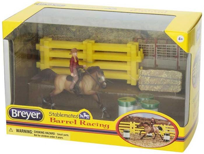 Breyer Набор Вестерн-баррелНабор Вестерн-баррелВсе животные линейки Stablemates являются игровыми моделями. Это не только лошади, но и быки, ламы, кошки и собаки, которые, несмотря на свои миниатюрные размеры, похожи на реальных животных.   Яркие и красивые, сделают первое знакомство ребенка с миром домашних животных веселым и запоминающимся.  Эта пастушка и ее лошадь готовы участвовать в гонках!  Набор включает в себя: western - наездница, лошадь, три бочки, вестерн-седло и уздечку и 4 секции ограждения.   Рекомендовано детям от 4 лет.  Фигурки изготовлены из высококачественных материалов, экологичны и абсолютно безопасны. Набор упакован в подарочную коробку с окошком.<br>