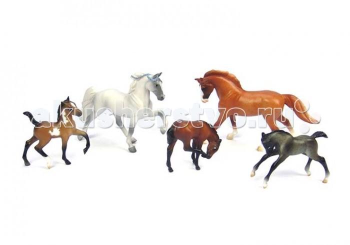 Breyer Набор из 2-х лошадей и 3-х жеребятНабор из 2-х лошадей и 3-х жеребятВсе животные линейки Stablemates являются игровыми моделями. Это не только лошади, но и быки, ламы, кошки и собаки, которые, несмотря на свои миниатюрные размеры, похожи на реальных животных. Яркие и красивые, сделают первое знакомство ребенка с миром домашних животных веселым и запоминающимся.   Фигурка изготовлена из высококачественных материалов, экологична и абсолютно безопасна.    Рекомендовано детям от 4-х лет.   Размер лошади В х Д - 6 х 8 см<br>