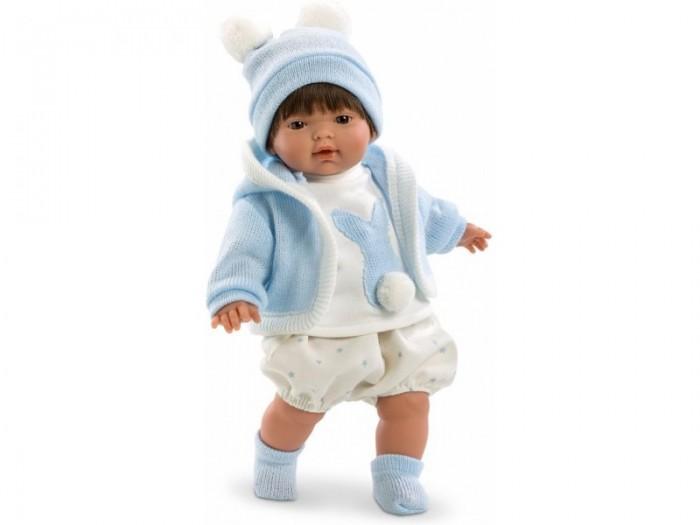 Llorens Кукла Карлос 33 смКуклы и одежда для кукол<br>Кукла Llorens Карлос 33 см - реалистичная куколка с ямочками и складочками на ручках и ножках.  Малыш имеет темные прямые волосы с челкой, которые легко расчесывать.  Куколка одета в пышные штанишки белого цвета в голубой горох, водолазку украшенную аппликацией с силуэтом зайчика и помпоном и голубую вязаную кофточку с капюшоном. На голове у куклы - шапочка с помпонами, на ножках – носочки.    Особенности:  Личико подробно и детально проработано, черты лица тонкие и аккуратные.  Кукла имеет мягконабивное тело, а голова ручки и ножки изготовлены из приятного на ощупь винила с запахом ванили.  Подвижные части тела позволяют легко переодевать куколку и придавать ей различные игровые позы.  При нажатии на животик малыш начинает плакать и звать маму и папу.   Волосы отличаются густотой, шелковистостью и блеском, при расчесывании они не выпадают и не ломаются.  Волосы прошиты по всей голове. Высота: 33 см