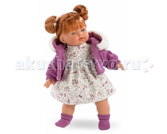 Llorens Кукла Алиса 33 смКукла Алиса 33 смКукла Llorens Алиса 33 см - реалистичная куколка с ямочками и складочками на ручках и ножках.  Эта малышка по имени Алиса очарует свою хозяйку голубыми глазками, забавными веснушками и правдоподобными волосами рыжего цвета, заплетёнными в хвостики. Кукла одета в светлое платьице в цветочек и шортики, вязаную кофточку с меховым капюшоном, а также в тёплые мягкие носочки.    Особенности:  Личико подробно и детально проработано, черты лица тонкие и аккуратные.  Кукла имеет мягконабивное тело, а голова ручки и ножки изготовлены из приятного на ощупь винила с запахом ванили.  Подвижные части тела позволяют легко переодевать куколку и придавать ей различные игровые позы.  При нажатии на животик малыш начинает плакать и звать маму и папу.   Волосы отличаются густотой, шелковистостью и блеском, при расчесывании они не выпадают и не ломаются.  Волосы прошиты по всей голове. Высота: 33 см<br>
