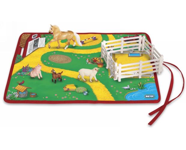 Breyer Набор Идем на Запад. Ферма на игровом матеНабор Идем на Запад. Ферма на игровом матеВсе животные линейки Stablemates являются игровыми моделями. Это не только лошади, но и быки, ламы, кошки и собаки, которые, несмотря на свои миниатюрные размеры, похожи на реальных животных. Яркие и красивые, сделают первое знакомство ребенка с миром домашних животных веселым и запоминающимся.  Набор включает: лошадь коврик из винила для игры в ранчо коза овца корыто для воды  ограждения для загона 4 шт   Все изготовлено из высококачественных материалов, экологично и абсолютно безопасно.    Рекомендовано детям от 4 лет.   Размер игрового поля Д х Ш - 28 см х 35.6 см<br>