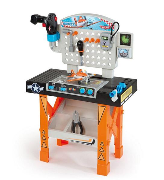 Smoby Ремонтная мастерская СамолетыРемонтная мастерская СамолетыРемонтная мастерская в стиле Самолеты очень понравится фанату этого мультика. Юный механик сможет ремонтировать героя Дасти, подкручивая винтики с гаечками, инструментами, которые идут в наборе.  Мастерская помогает развивать логическое мышление, мелкую моторику, память и научит малыша разбираться в строительных инструментах. Реалистичная игрушка позволить мальчику попробовать себя в роли мастера. А после игры, он сможет убрать все инструменты так чтобы они не потерялись.  Характеристики: изготовлена из экологически чистого упрочненного пластика, не деформируется и не выгорает для детей от 3-х лет ремонтная мастерская с инструментами: дрель, отвертка, разводной ключ рабочее место для юного мастера, с большим набором функциональных инструментов на мастерской есть удобные крючки для инструментов в комплекте различные инструменты и аксессуары под столом поддон для деталей  В комплекте: мастерская инструменты: дрель, отвертка, разводной ключ самолетик Дасти  Общие размеры 49x27x75 см  Smoby – это огромный выбор игрушек рассчитанных на разные возрастные категории, от новорожденных до младших школьников. Smoby – лидер в производстве игрушек для ролевых игр, и по праву может гордиться своей продукцией. Вся продукция произведена по лицензии известных торговых марок и точно повторяет внешний вид и функциональность оригиналов.<br>