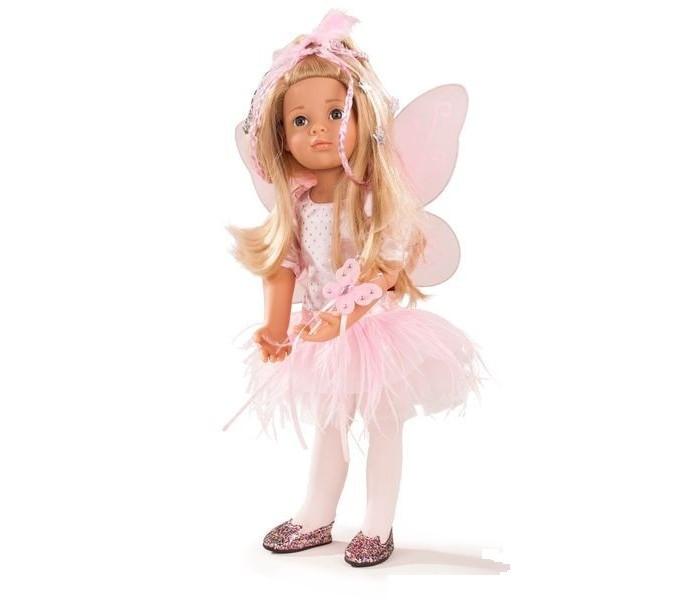 Gotz Кукла Мария в костюме феи 50 смКукла Мария в костюме феи 50 смGotz Кукла Мария в костюме феи станет замечательным подарком для девочки. Кукла с твердым виниловым подвижным телом подходит для активных игр дома и на улице. Куклу можно переодевать и делать различные прически. Кукла имеет длинные светлые волосы, которые прочно вшиты для избежания выпадения во время активных игр детей.  На ней прекрасное воздушное розовое платьице, длинные волосы украшены розовыми ленточками. За спиной у куклы крылышки, в руках - волшебная палочка с наконечником в виде бабочки.  У куколки 9 точек артикуляции на плечах, бедрах, коленях и шее, что делает ее гибкой и подвижной. Куколка способна принимать самые различные позы, что позволит вашей малышке придумать множество сюжетно-ролевых игр с ней! Глаза у неё не закрываются.  Кукла, одежда и аксессуары выполнены из качественных материалов с учетом необходимых стандартов, соответствующих европейским нормативам. Куклу можно мыть, для поддержания одежды в опрятном виде рекомендуется щадящая машинная стирка при температуре 30 градусов.   В наборе: кукла крылья волшебная палочка<br>
